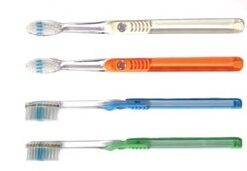 10420 Cleargrip Toothbrush